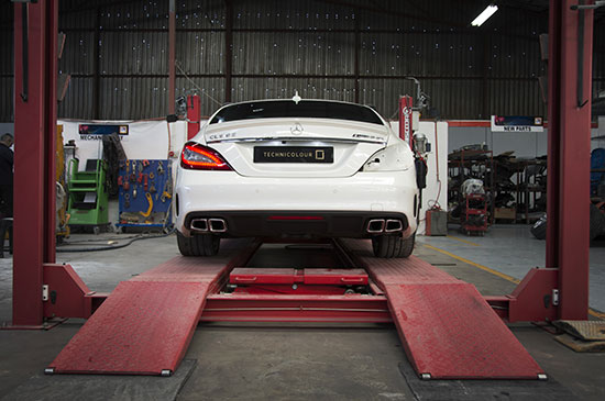 Technicolour | Services | Wheel Alignment & Tyre Replacement | Removal & Refit of Glass